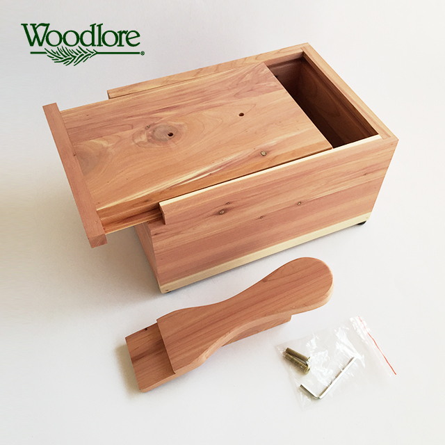 シューケアグッズをたっぷり見栄え良く収納できる【木製シューケアボックス】