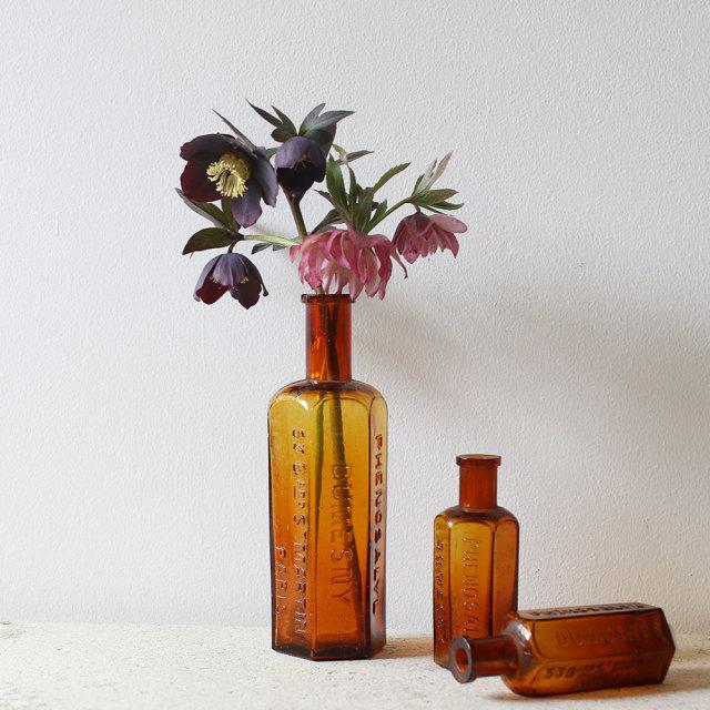 100年前のフランス製薬瓶