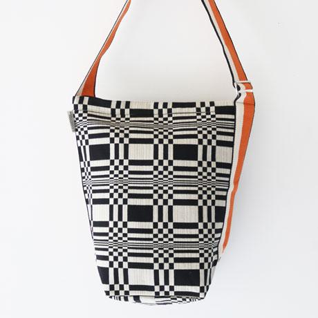 Johanna Gullichsen Tetra Shoulder Bag/ Doris