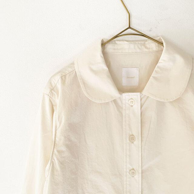 Round Collar Classic Blouse
