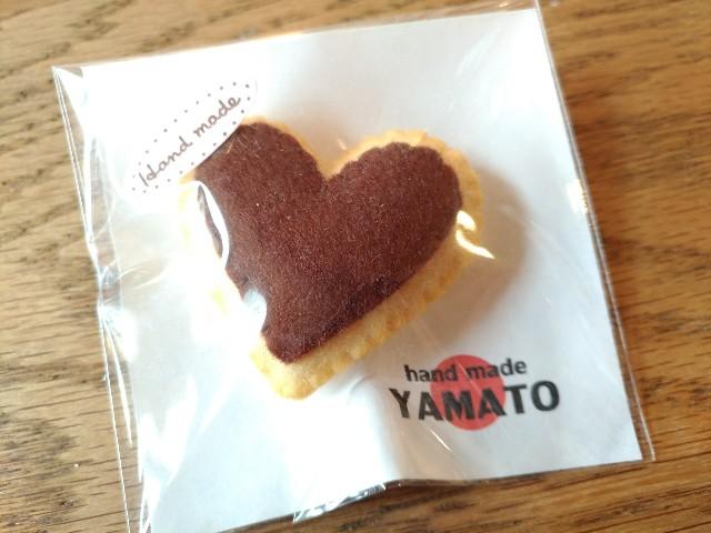 """手づくりフエルトブローチ クッキー ハートチョコクッキー ハンドメイド """"YAMATO"""""""