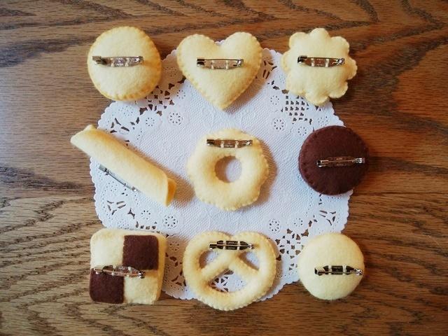 ハンドメイド フェルトブローチクッキー