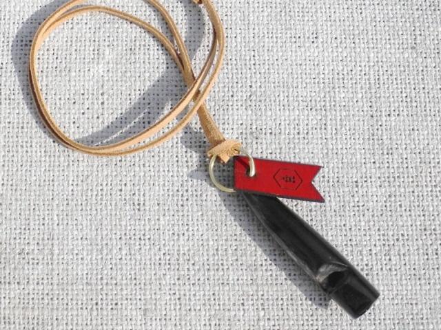 ガンドッグバッファロードッグホイッスル(犬笛/ドッグオーナー用アクセサリ|犬好きへのプレゼントにおすすめ|犬グッズ通販HAU