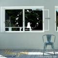 【大きなガラス専用ステッカー 白・大きなクリスマス雪だるま  A2サイズ】+【ガラス専用クリスマス雪だるま A4サイズ】すうーっと貼ってはがせて再利用できる 日本製 ガラスに貼るとキレイ