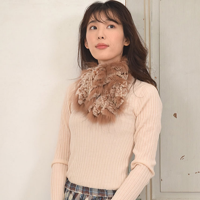(ゆうパケットで送料無料)(ラッピング不可)レッキスラビット編みこみマフラーラクーントリム(RF2911)