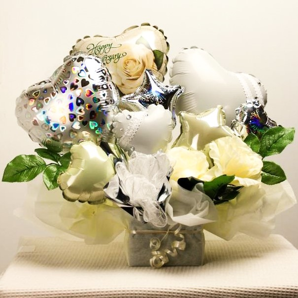 結婚式バルーン電報 バルーンアレンジ「ピュアホワイト(純粋な新郎新婦様をイメージした)大人のバルーンアレンジ」 wd0031