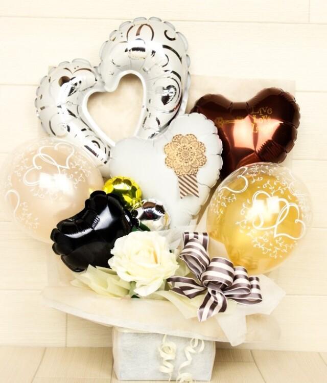結婚式バルーン電報 「絶対オシャレシリーズ、ロゼットが大人っぽいイメージのバルーンアレンジ、結婚式のお祝いに大人気)」 wd0066
