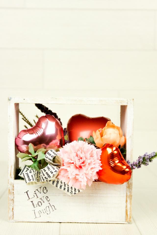 結婚式バルーン電報 「絶対オシャレシリーズ、オーガニックデザイン、スクエアバルーンアレンジ、結婚式のお祝いに大人気」 wd0074