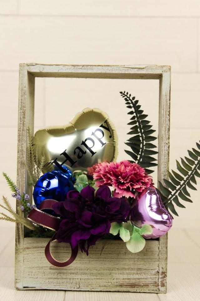 結婚式バルーン電報 「絶対オシャレシリーズ、オーガニックデザイン、ミディアムスクエアバルーンアレンジ、結婚式のお祝いに大人気」 wd0075