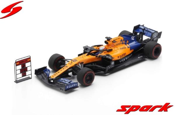 spark 1/43 MCLAREN F1 TEAM NO.55 3RD BRAZILIAN GP 2019 MCLAREN MCL34 CARLOS SAINZ JR. WITH PIT BOARD
