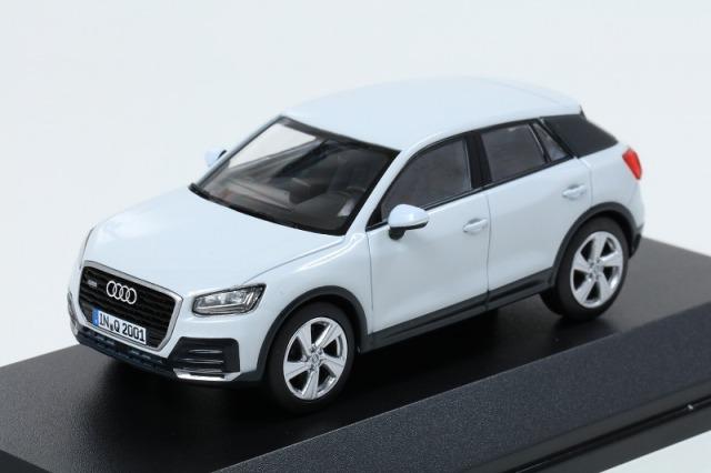 Audi 1/43 アウディ Q2  グレイシアホワイト