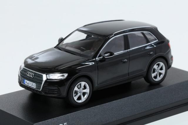 Audi 1/43 アウディ Q5  ミトスブラック