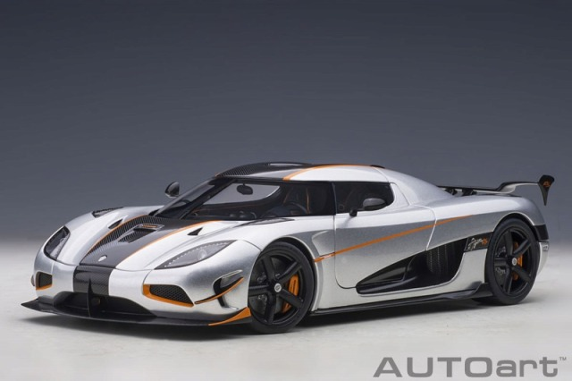 <予約 2021/3月下旬発売予定> AUTOart 1/18 ケーニグセグ アゲーラ RS (メタリック・シルバー/カーボンブラック)