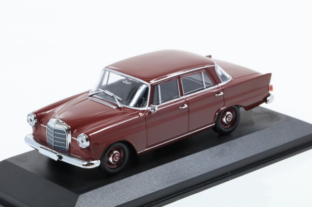 MINICHAMPS 1/43 メルセデス ベンツ 190 - 1961 - ダークレッド MAXICHAMPSシリーズ