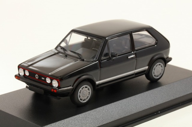 MINICHAMPS 1/43 VW ゴルフ GTI 1983 ブラック  MAXICHAMPSシリーズ