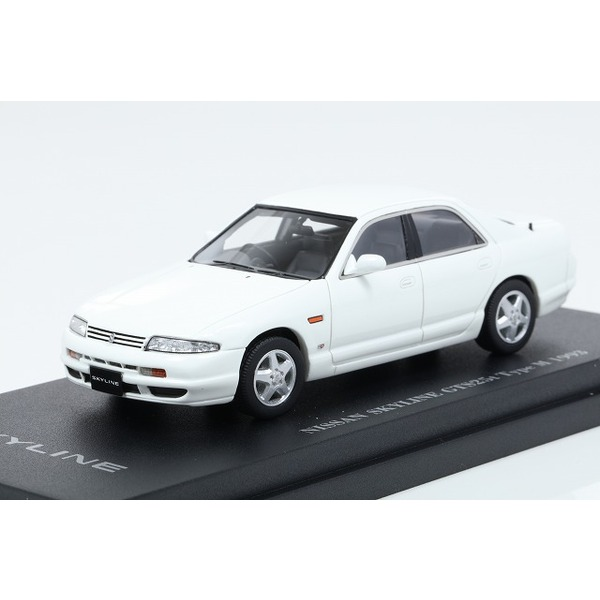 【CAM@】 1/43 日産 スカイライン GTS 25t (R33) 4ドアセダン 1993年型 ホワイト