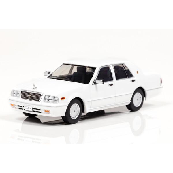 【CARNEL】 1/43 日産 セドリック CLASSIC SV (PY31) 1998 (Pure White) ※限定500台