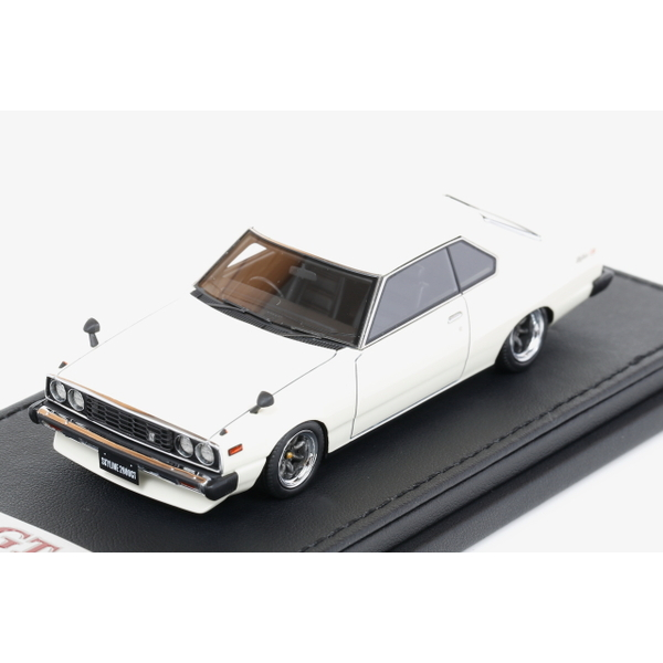 【イグニッションモデル】 1/43 日産 スカイライン 2000GT-ES C210 (ホワイト)