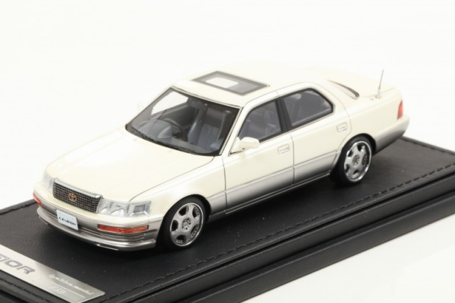 Ignition 1/43 Toyota CELSIOR (F10) Pearl White OZ-Wheel