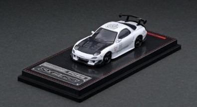 <予約> Ignition model 1/64  Mazda RX-7 (FD3S) RE Amemiya White