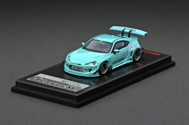 <予約 2021/6月発売予定> ignition model 1/64 PANDEM TOYOTA 86 V3 Light Green