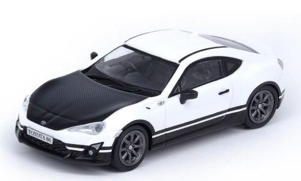 INNO 1/64 Toyota 86 ホワイト カスタマイズカラー