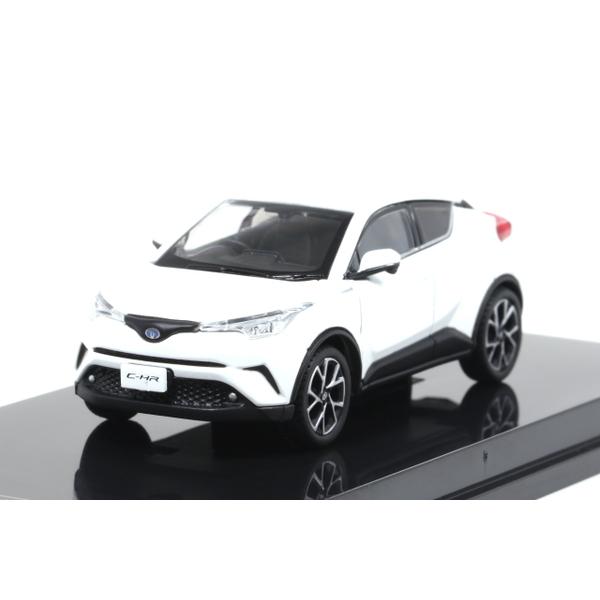 【オーバーステア】 1/64 Toyota CH-R 2017 ホワイトパールクリスタルシャイン