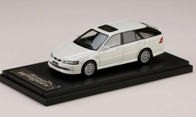 MARK43 1/43 Honda Accord Wagon SiR Sportier (CH9) Premium White P,