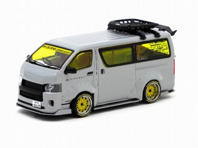 TARMAC 1/64 Toyota Hiace Widebody Grey with roof rack