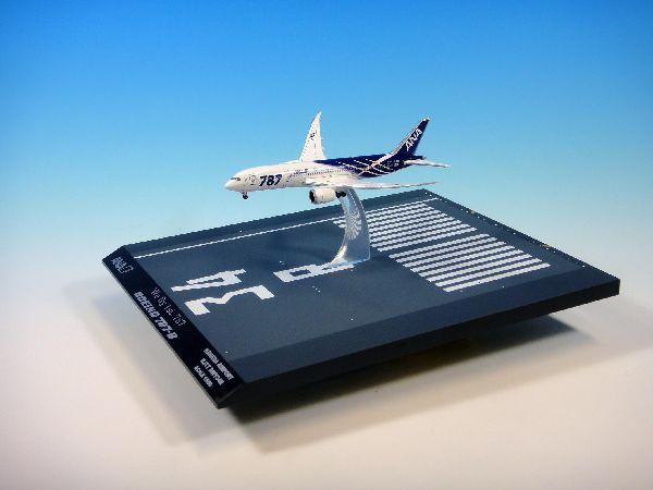 JA801A 1:500 空中姿勢
