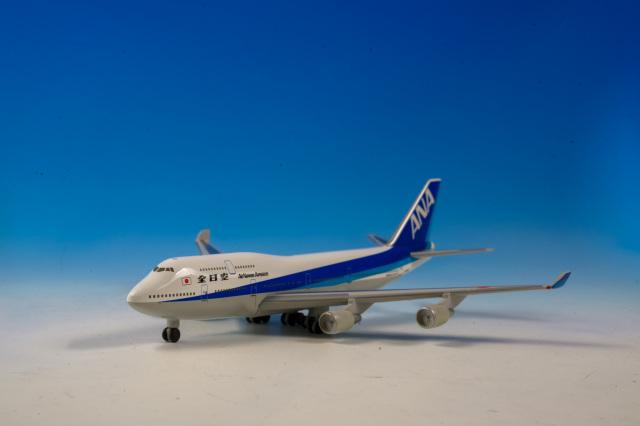 747-400 ANA 1:500