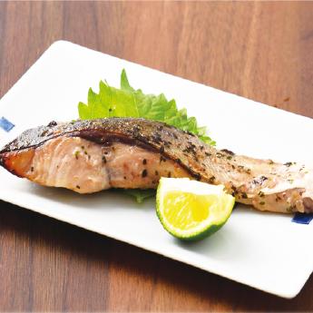 ぶりステーキ(バジルオイル漬け)