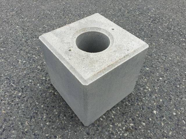 基礎ブロック 400角×H400  丸穴 107kg 【送料込】