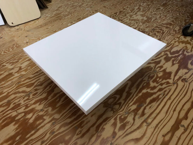 テーブル天板を手作りしています。