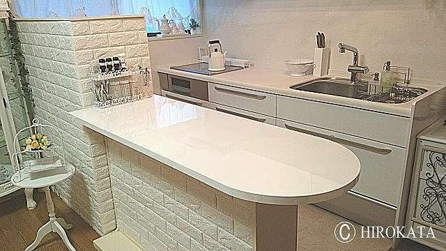 造り付けキッチンカウンターテーブル艶有り白鏡面
