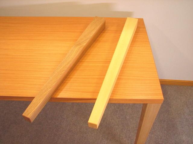 テーブルの脚 木製無垢材