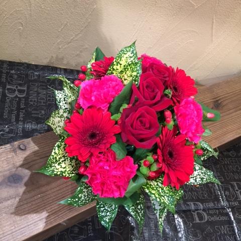 【還暦や大切な人への愛のメッセージなどに】バラのアレンジメント(赤系)