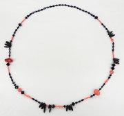 珊瑚 & ブラックカラー ロング ネックレス