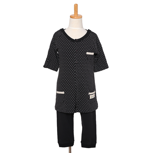 入院、点滴対応パジャマ。前開き&肩あき。障害児や医療的ケア児の介護服。女の子用。