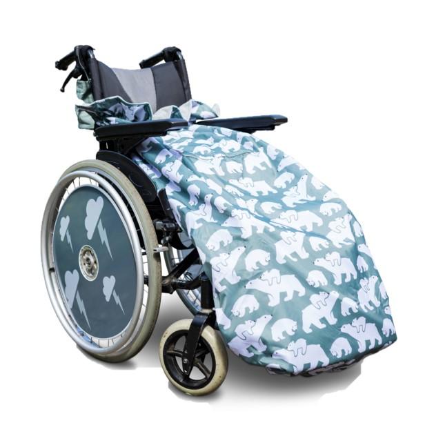 障害児、医療的ケア児、車いすやバギーのための防寒介護用フリースレッグカバー。大人用シロクマ。