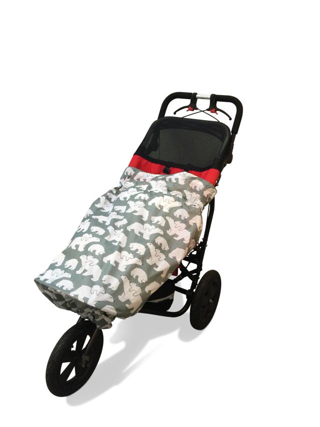 障害児、医療的ケア児、車いすやバギーのためのレインカバー。介護用レインコート。 シロクマ。車椅子レインコート。