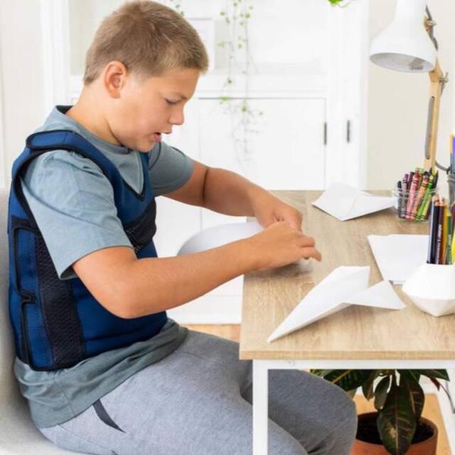自閉症、発達障害、ADHD、ASD対応。着圧、加圧、クールダウンのためのベスト。