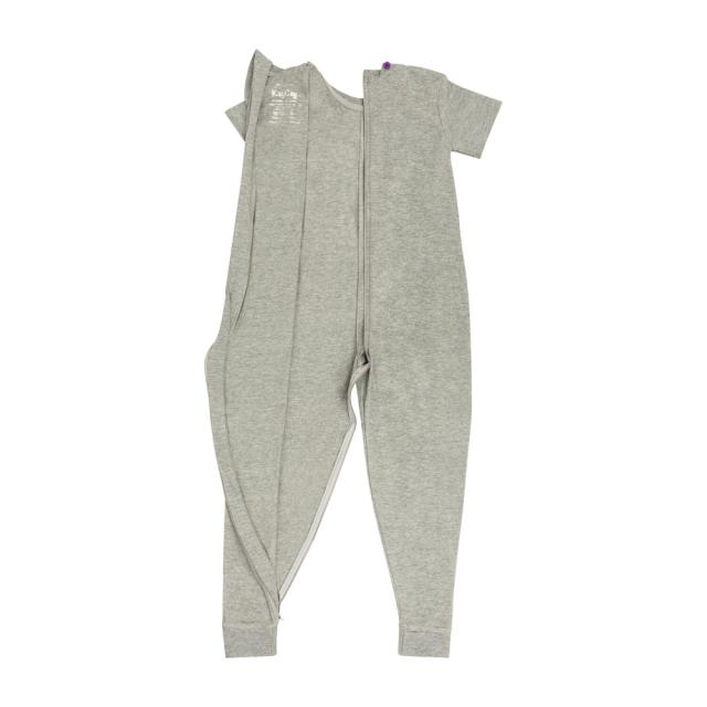 オムツいじり対策用つなぎパジャマ。障害児むけ介護用子供服。半袖長ズボン、グレー無地。