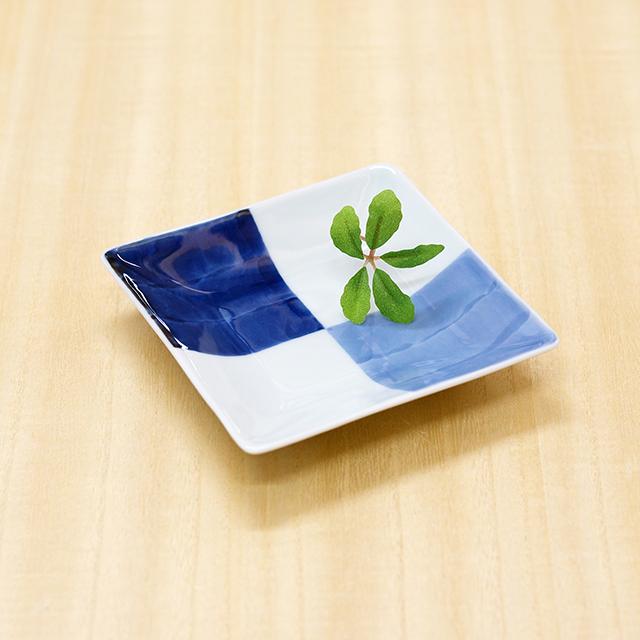 【和食器通販ショップ 藍土な休日】有田焼 そうた窯 染付市松 角皿