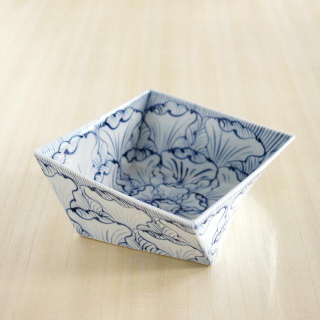 【和食器通販ショップ藍土な休日】そうた窯 花弁文角捻り鉢