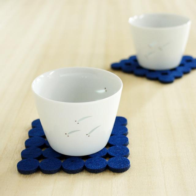 和食器通販ショップ藍土な休日 テーブルコーディネート 光春窯 ホタルめだかカップ(小)