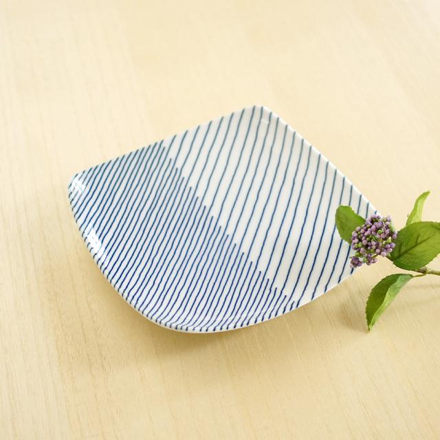和食器通販ショップ 藍土な休日  波佐見焼・白山陶器 重ね縞角皿(小)