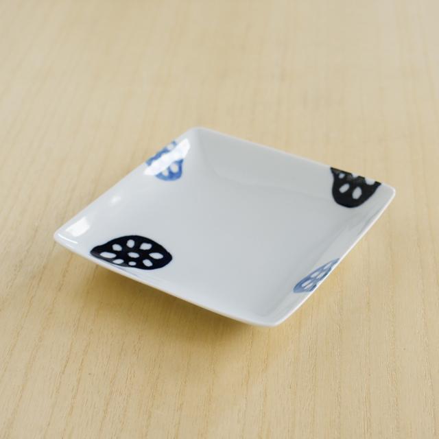 【和食器通販ショップ藍土な休日】波佐見焼 和山窯 レンコン取皿