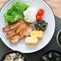 和食器 通販 藍土 藍土な休日 波佐見焼 利左エ門窯 とびかんな 丸皿 8寸皿 プレート
