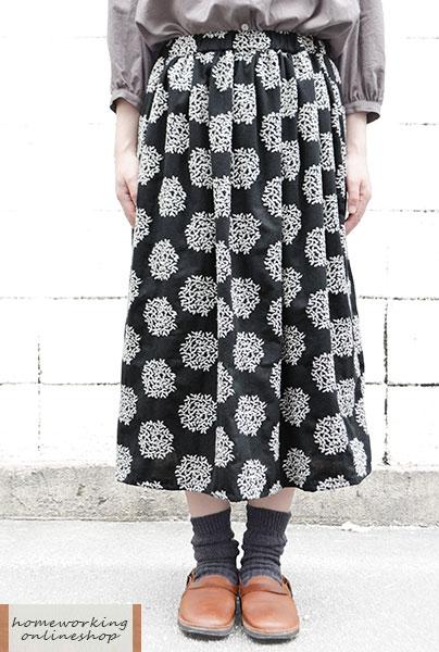 【ポイント3倍】コットンリネンリーフ刺繍ギャザースカート(ブラック)